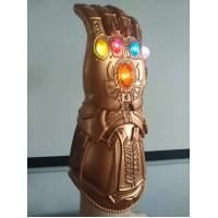 Manusa tip Thanos cu lumini